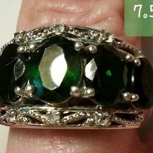 4ct Colombian Emerald sz 8